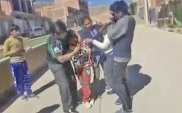 Encarcelan a la madre que pretendió ahorcar a su hijo de 11 años