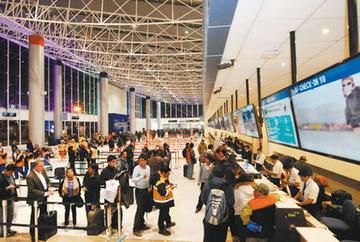 Migración de bolivianos sigue por falta de fuentes laborales