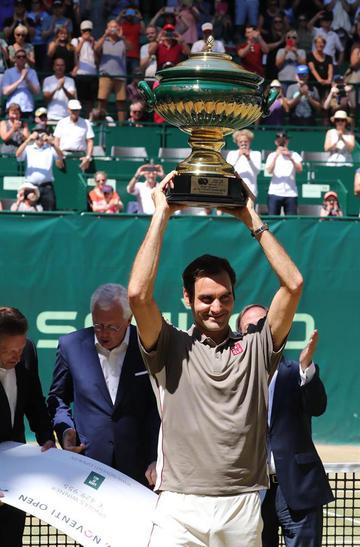 Federer gana el torneo de Halle por décima vez