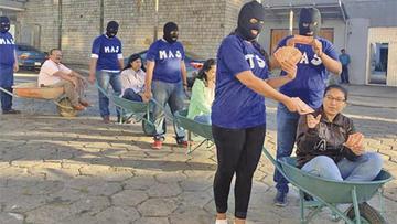 Suman denuncias por el acarreo de votantes y se desata protesta