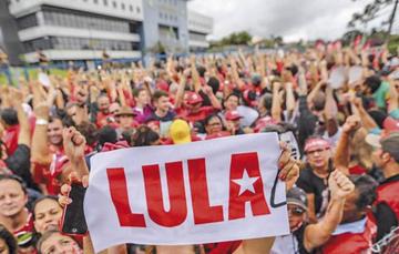 Justicia aplaza el juicio para examinar la libertad de Lula