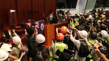 Marcha de Hong Kong acaba en inédita ocupación al Parlamento
