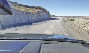 Avanza asfaltado de la vía Cieneguillas - Tinguipaya