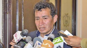 Diputados analizará denuncia de Revilla después del receso