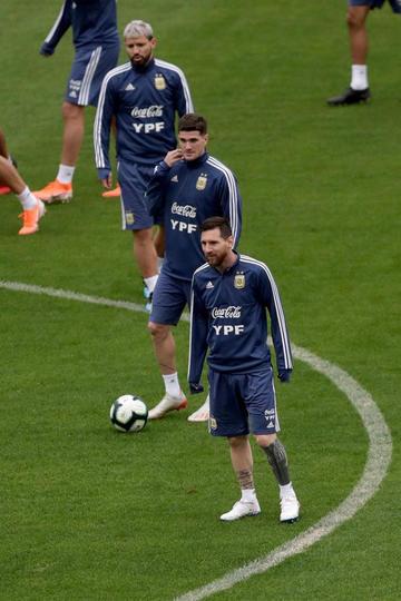 Argentina va por el tercer lugar ante Chile