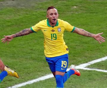 Everton se consagra goleador del torneo