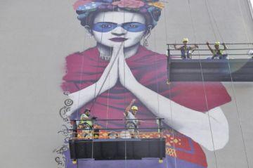 Nuevo mural sobre Frida Khalo rescata vestimenta mexicana