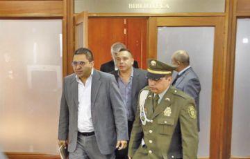 Exlíder de las FARC planta a la Suprema de Colombia