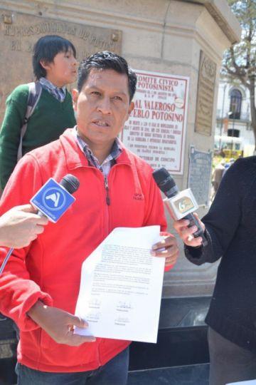 Rodríguez pide a Óscar Ortiz también declinar a su candidatura