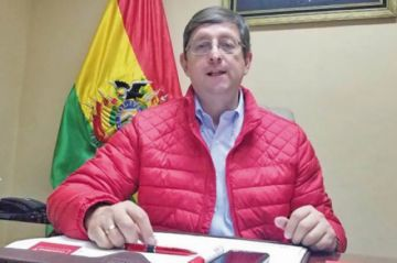"Óscar Ortiz acusa a Rodríguez de ""acuerdos económicos"" con CC"