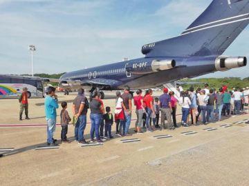 Suben deportaciones de EE.UU. a México previo a las redadas