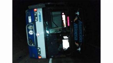 Accidente de flota deja 11 personas heridas en vía Oruro Llallagua