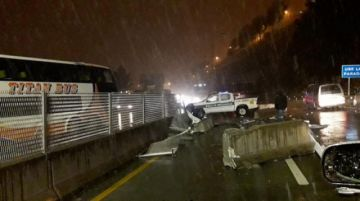 Reportan un choque múltiple en la autopista La Paz - El Alto