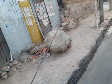 """Vecinos de la Serrudo tienen """"una piedra en la vereda"""""""