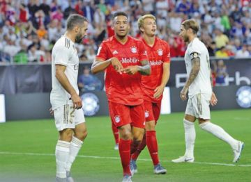 Bayern golea en un pobre debut de Real Madrid