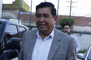 Salinas y Loayza se acusan de corrupción