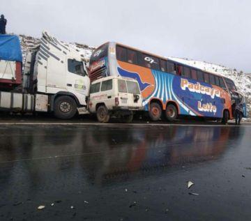 Accidente de tránsito en la carretera Cochabamba-Oruro deja seis heridos