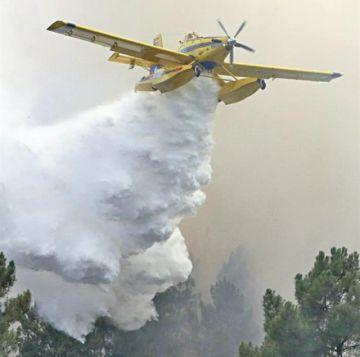 Portugal mantiene alerta por voraces incendios