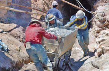 Prevén caída de los ingresos por regalías mineras en Potosí