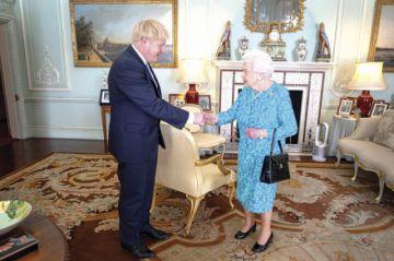 """Johnson se erige como paladín del """"brexit"""" duro"""