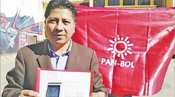 Pan-bol inhabilita a su candidato a vice y este denuncia traición