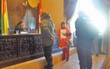 Vuelven a suspender sesión en el Concejo pese a las garantías ofrecidas