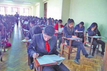 La UATF aplica examen a los postulantes para semestralizadas hoy