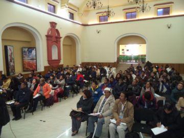Buscan prevenir la violencia contra la mujer desde las escuelas en Potosí
