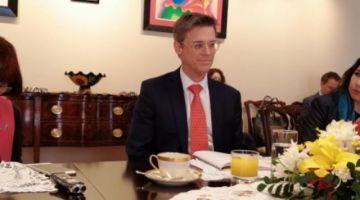 EE.UU. afirma que los bolivianos deben elegir sin interferencias