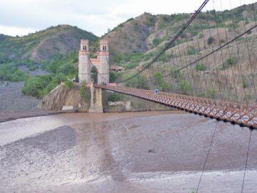 Gestionarán recursos para refacción del puente Sucre