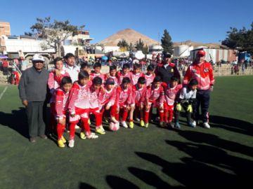 Potosí gana 3-1 a Porco y se clasifica a la final de fútbol en la categoría varones