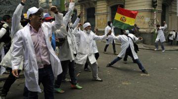 El Gobierno y médicos de Bolivia regresan a la mesa del diálogo