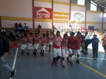 Santa Rosa y Alonso se coronan campeones en básquet de los pluris