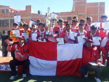 La escuela 1º de Abril gana 5-4 a Villazón