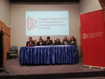 Colegio de Profesionales en Comunicación Social de Potosí posesiona directiva