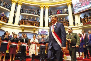 Vizcarra defiende adelanto de elecciones