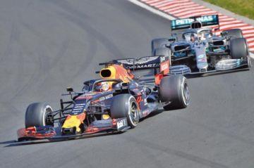 Hamilton reforzó su liderato en la F-1