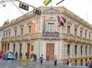 Amenazan con cercar la Gobernación de La Paz