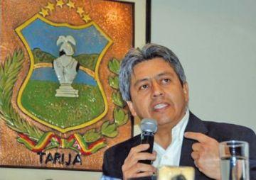 Exgobernador propone estrategia para excluir a Evo de las elecciones