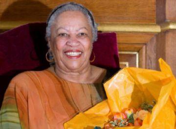 Muere la primera escritora negra en recibir el Nobel