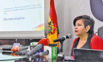 Fiscalía cita a declarar a directora de la UIF como sindicada por caso PAT