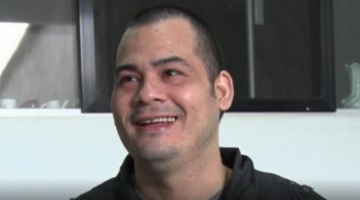 Boliviano liberado de pena de muerte en Malasia retorna a Bolivia y se reúne con su familia