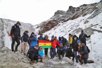 """""""Mochileando al Huayna Potosí"""" promueve el turismo juvenil"""
