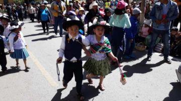Los niños marcaron el inicio efectivo de  la fiesta de Ch'utillos