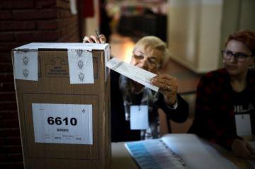 Argentina vota para definir candidatos a las elecciones de octubre