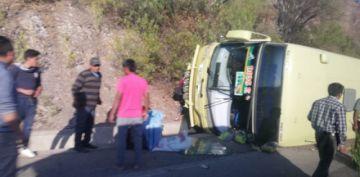 Accidente en carretera Potosí - Sucre deja dos heridos