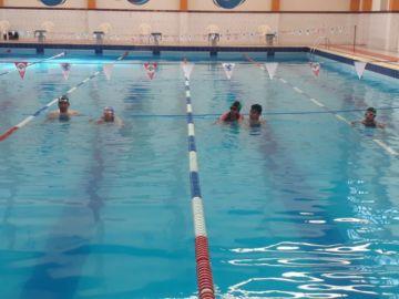 Inician la competición en las pruebas de natación de los pluris de educación especial