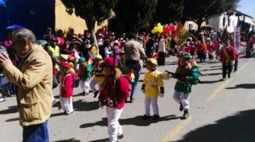 Preescolares de Potosí rindieron homenaje a la bandera