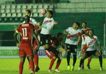 Nacional Potosí gana 2-0 a Royal Pari y vuelve de Santa Cruz con tres puntos (con galería de fotos)