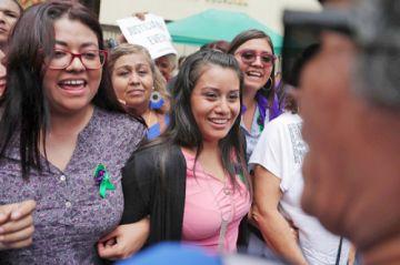 Absuelta joven acusada de homicidio por aborto